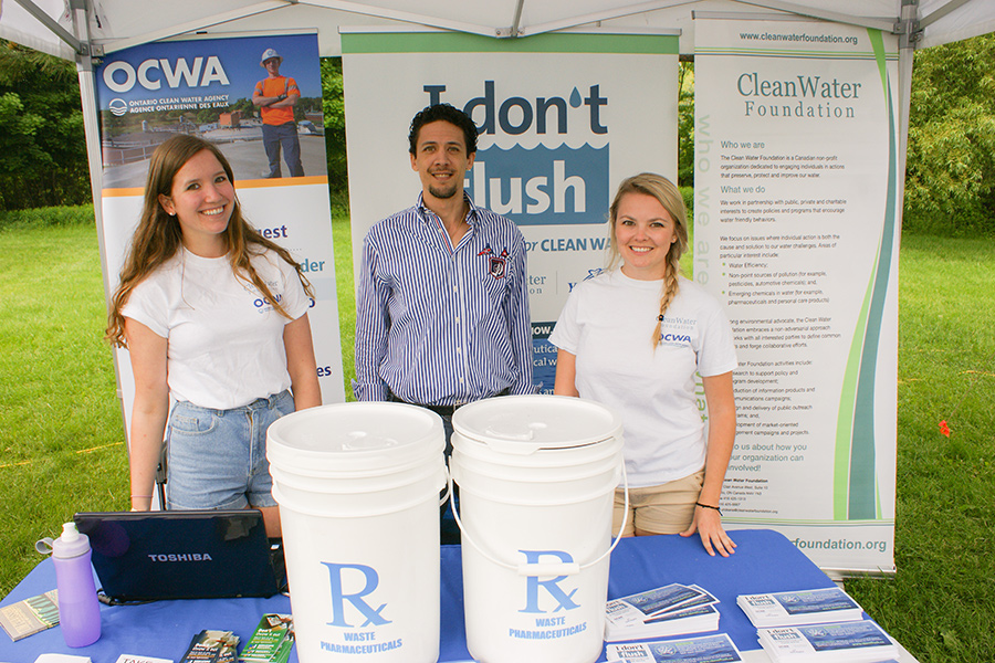 I Don't Flush, OCWA and the Clean Water Foundation booth - group shot